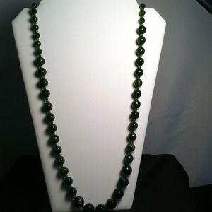 "Jewelry - 17"" Emerald Green Beads Necklace"