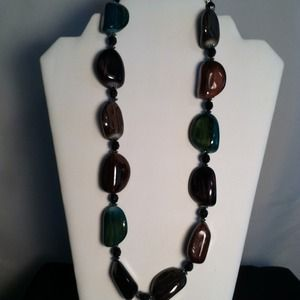 Jewelry - Stone Like Beads Necklace