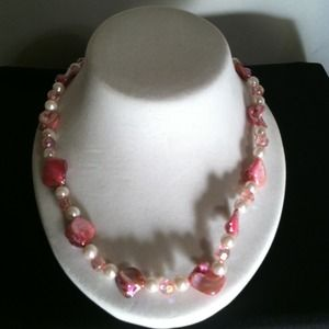 Jewelry - Pink Stones, Beads Necklace w/Pearl Beads