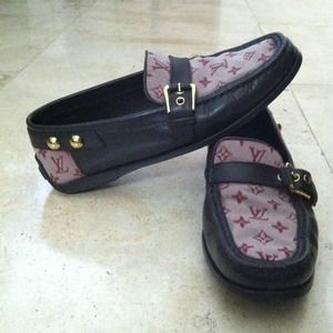 Louis Vuitton Shoes - SOLD!!!🚫 Louis Vuitton women's loafers.