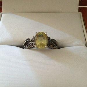 Jewelry - Beautiful black diamond and Quartz Infiniti ring