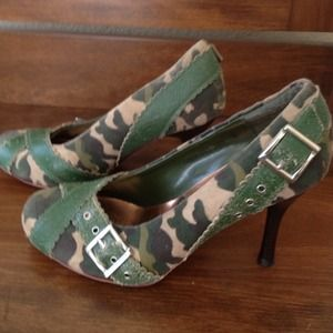 Naughty Monkey Shoes - 👠SOLD! 👠Camo Army green suede & leather heels
