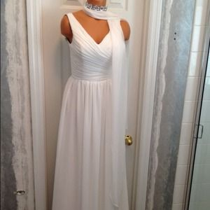 White Wedding/Evening Gown Wz Sz-2 Ex small
