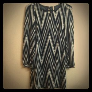 Dresses & Skirts - Zig zag dress