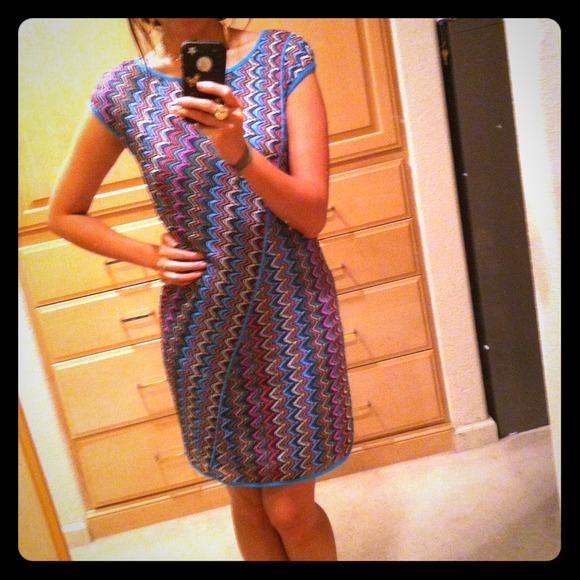 Dresses & Skirts - fun 60's like zig zag dress