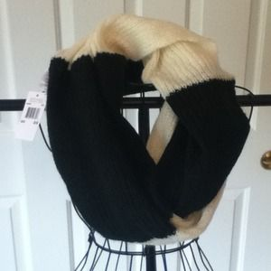 Michael Kors Accessories - NWT MICHAEL KORS INFINITY SCARF Reduced!