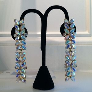 Jewelry - Reduced!!! Rhinestone Dangling clip on Earrings!