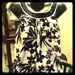 Tops - Pretty floral dressy top.