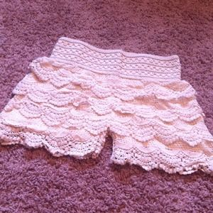 Pants - SOLD NWOT Cream scalloped lace shorts