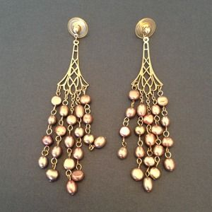 Jewelry - GENUINE freshwater purple pearl earrings
