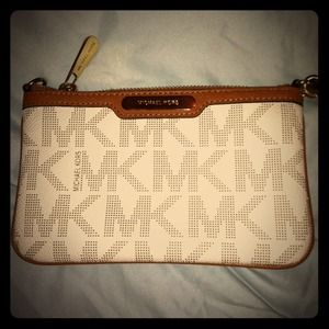 Michael Kors Clutches & Wallets - Michael Kors Wristlet