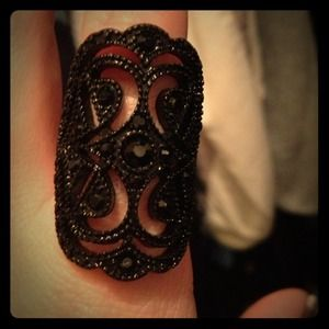 Jewelry - Black vintage ring