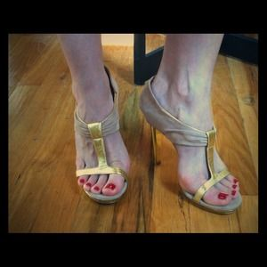 Just reduced!! Sergio Rossi Christa Sandal