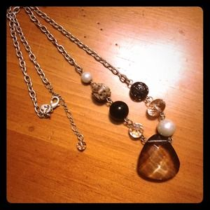 Chrystal and wood bead necklace