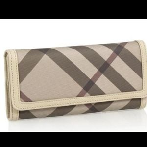 Burberry Clutches & Wallets - ❌NO LONGER AVAILABLE❌