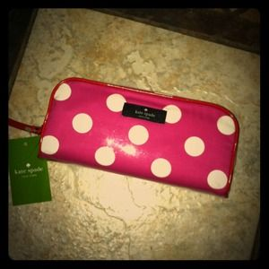 kate spade Accessories - ✨RESERVED✨PINK Kate Spade cosmetic bag & earrings