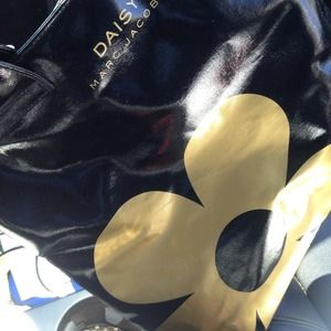 Marc Jacobs Handbags - Marc Jacobs Black/Gold Daisy Gift Bag