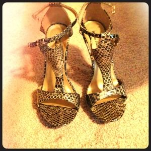 Size 7 Michael Antonio stilettos