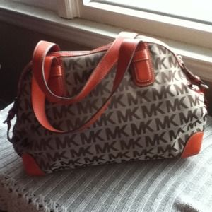 Michael Kors Handbags - Authentic Michael Kors bag