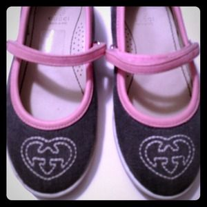 Gucci Shoes - ***❌💰SOLD💰❌*** Gucci Girls Shoes Size 24