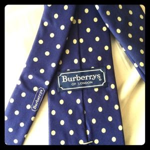 Burberry Accessories - New Burberrys Men's Tie