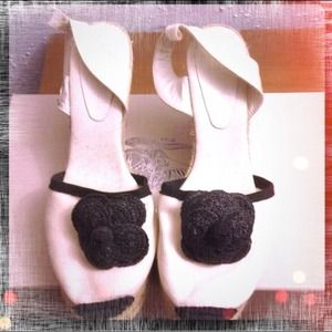CHANEL Shoes - 💥REDUCED💥🎀AUTHENTIC CHANEL ESPADRILLES SHOES🎀