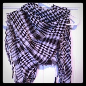 Forever 21 Accessories - FOREVER 21 arafat scarf