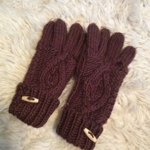 Accessories - BNWOT knit brown gloves