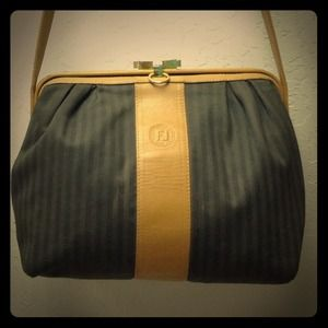 FENDI Handbags - Vintage Fendi doctor cross body bag