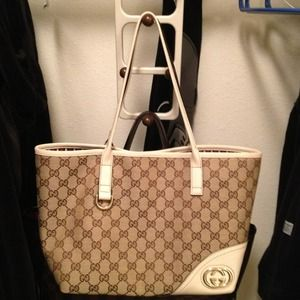 Gucci Handbags - 💢SOLD💢 Authentic Gucci Bag