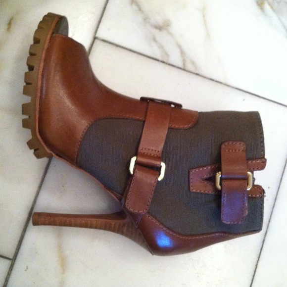 Tory Burch Shoes - Open Toe Booties w/Lug Sole 4
