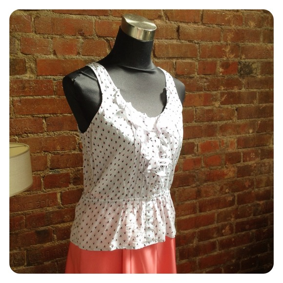 Urban Outfitters Tops - HALF OFF SALE   Gray and Coral Print Tank