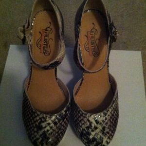 Kenneth Cole Shoes - Kenneth cole unlisted snake Mary Jane heels