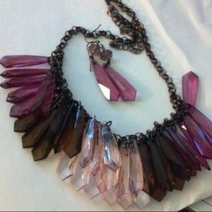 beautiful purple tones statement necklace