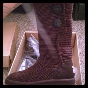 UGG Other - Brand new UGGS kids cardy