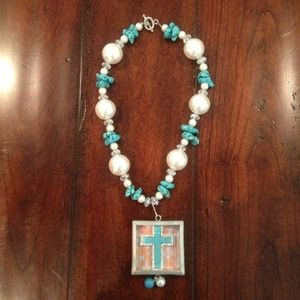 Jewelry - Handcrafted turquoise and pearl necklace