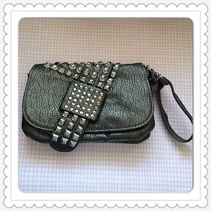 Handbags - 🔱NEW🔱 grey studded bag