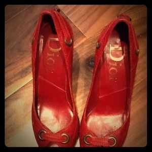 Preowned Christian Dior red pumps