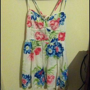 Dresses & Skirts - Hollister