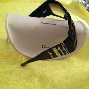 REDUCED!!!**Authentic DIOR sunglasses w/Stone