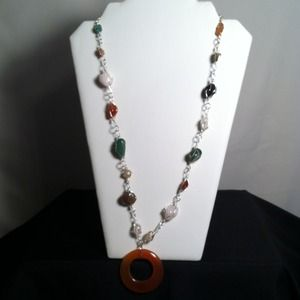 "Jewelry - 15"" Resin Pendant Stone Necklace"