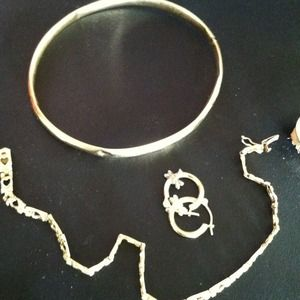 Jewelry - bundled for mommytobe