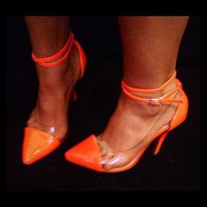 Shoes - NWB cap toe heels