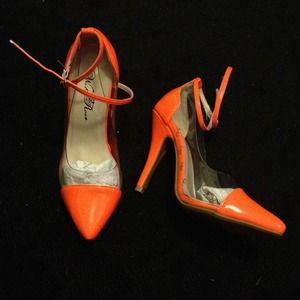 Shoes - NWB cap toe heels 2
