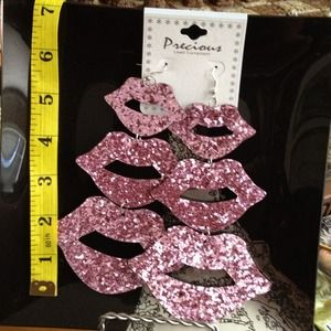 Glittery Light Pink Glossy Lips Earrings Ex-long