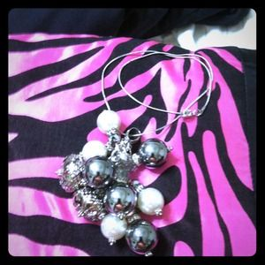 💝REDUCED 💝Necklace (cha cha)in pearl and silver