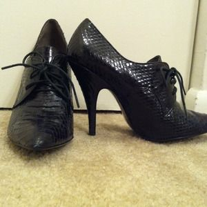 Sam Edelman black heeled oxfords