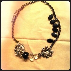 Jewelry - Bling!! This Necklace  sparkles and shines!