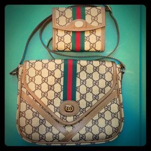 Gucci Handbags - Gucci Purse and Wallet