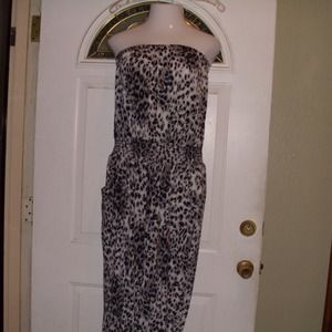 Dresses & Skirts - Plus size leopard jumpsuit. 3X